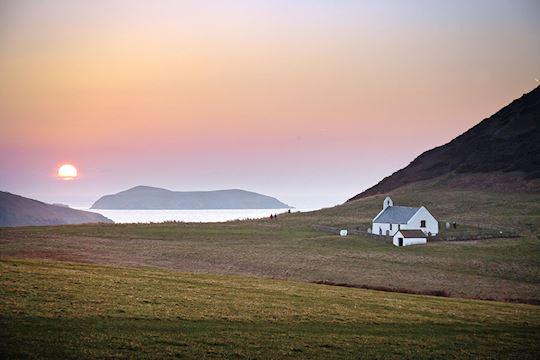 Mwnt  - Visit Wales