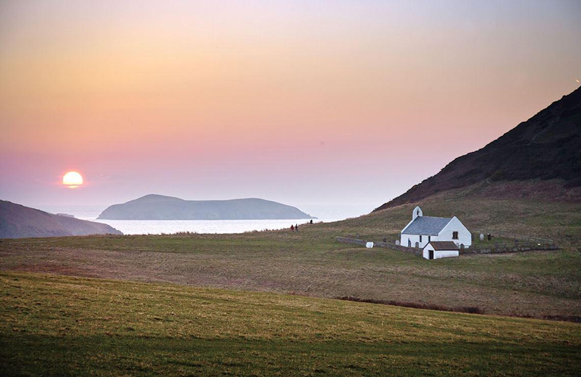 Mwnt- Visit Wales