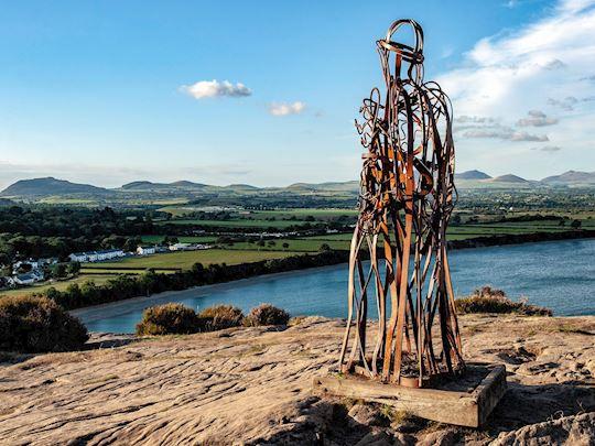 Tin Man Statue, Mynydd Tir y Cwmwd